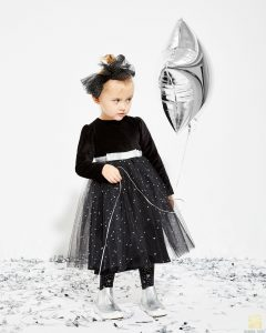 czarna sukienka balowa dla dziewczynki